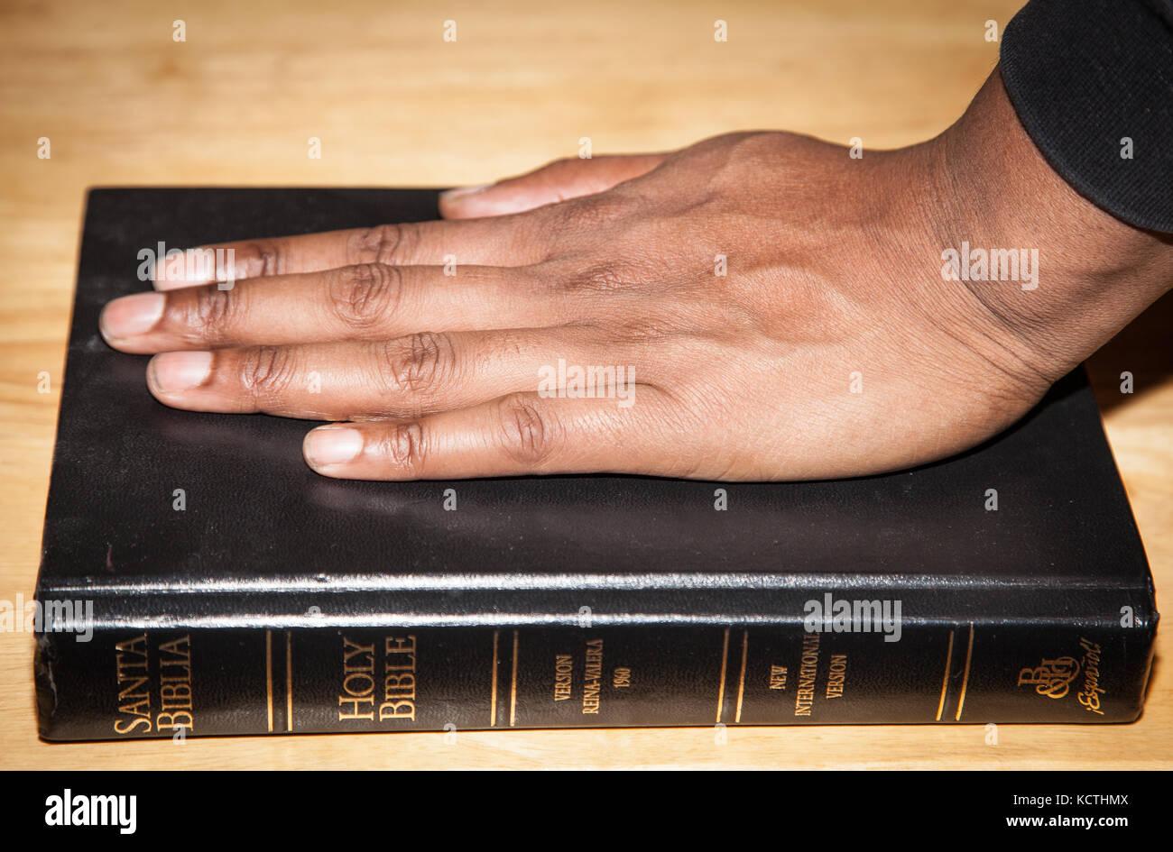 Testimony Stock Photos & Testimony Stock Images - Alamy