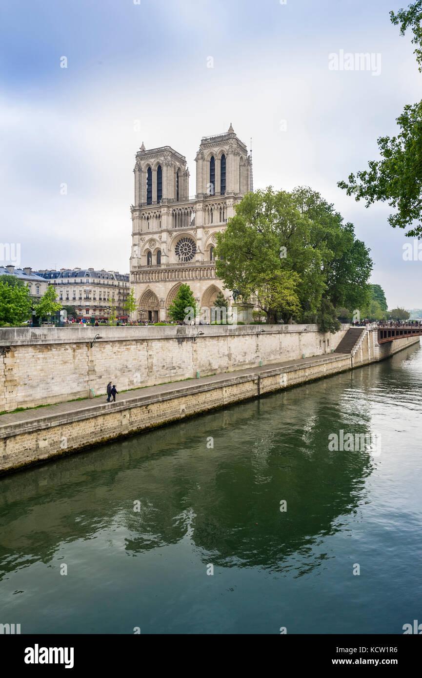 View of Notre-Dame de Paris across Seine river - Stock Image
