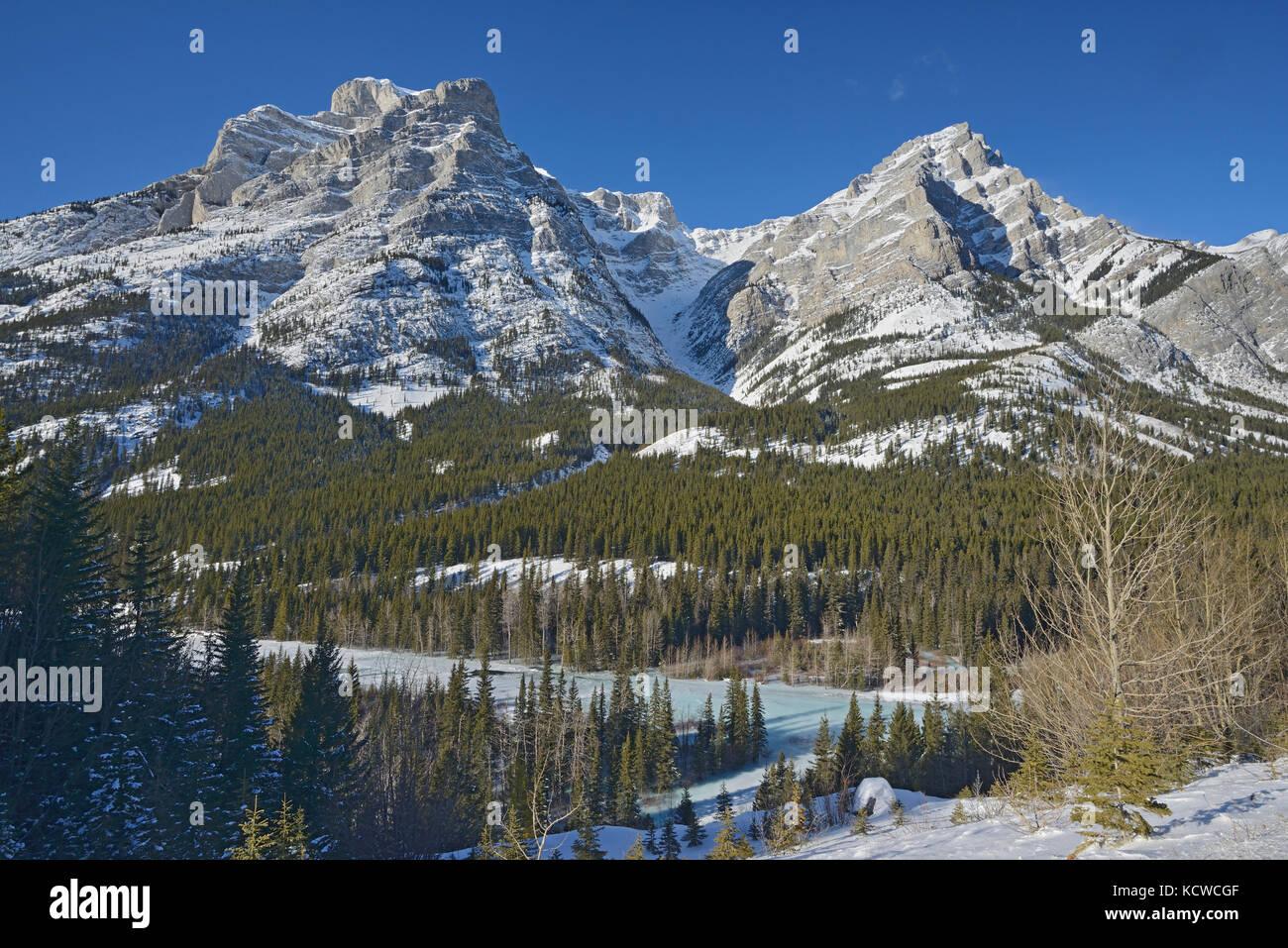 Canadian Rockies in winter, Kananaskis Country, Alberta, Canada - Stock Image