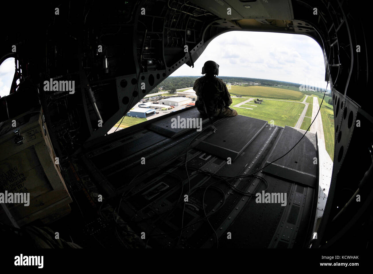 """South Carolina Army National Guard (SCARNG) CH-47D Chinook helicopter """"368"""" is delivered to Summit - Stock Image"""