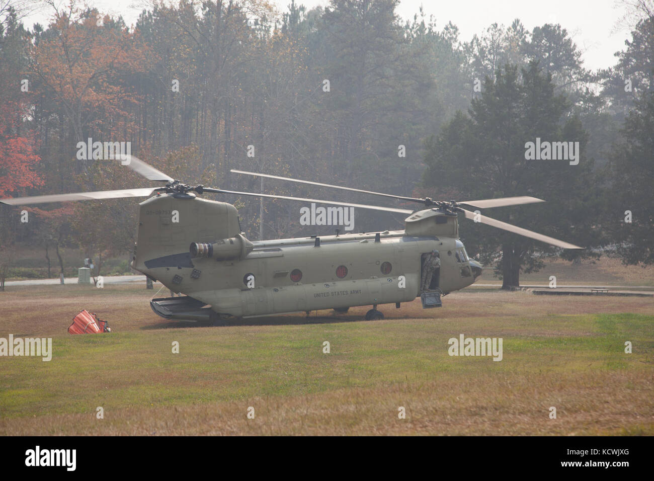 A South Carolina Army National Guard CH-47 Chinook from Det. 1, Bravo Company, 2-238th General Support Aviation Stock Photo