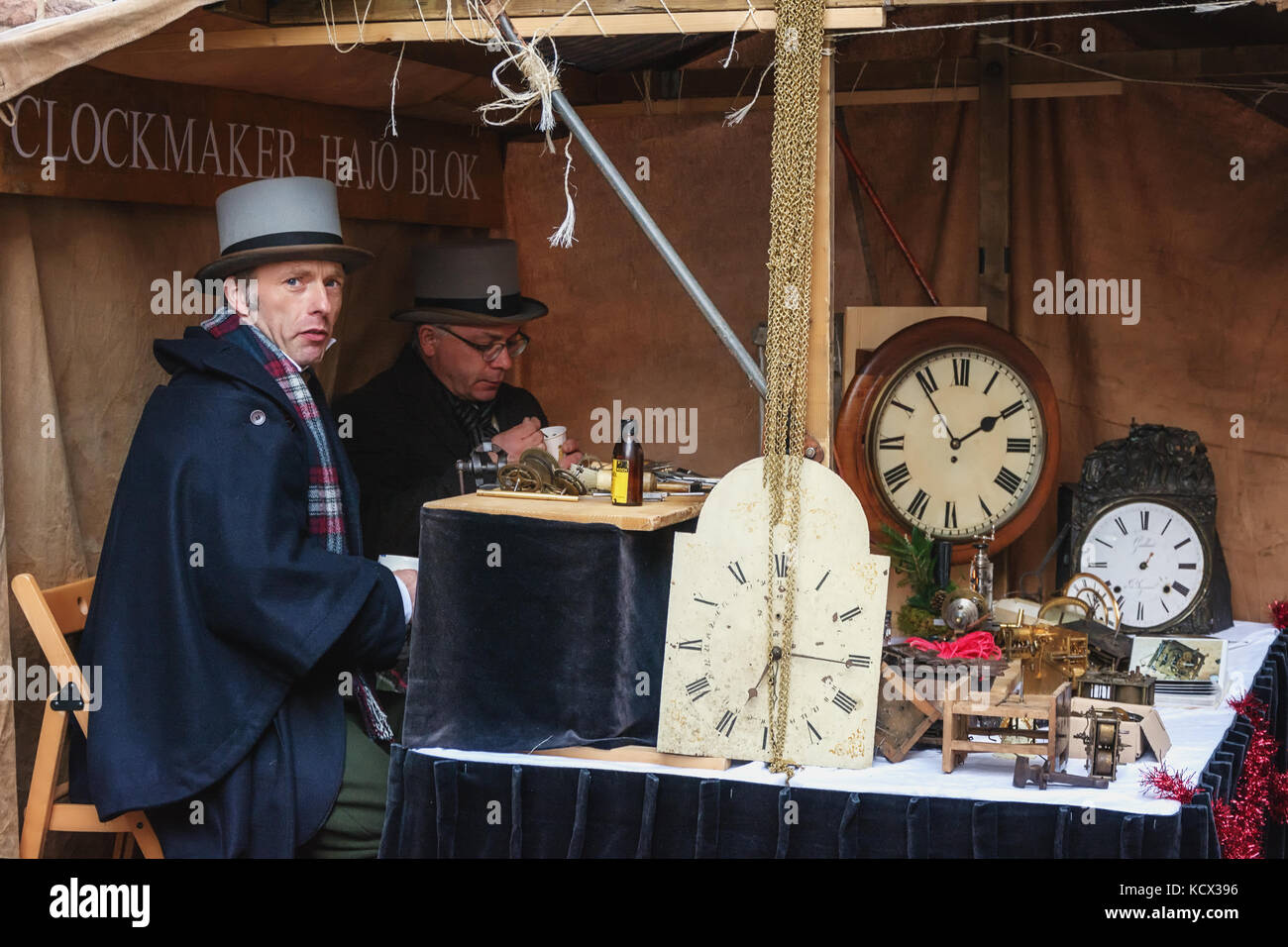 Deventer, Netherlands – December 18, 2016: clockmakers at work during the festival at the Dickens Festval in Deventer - Stock Image