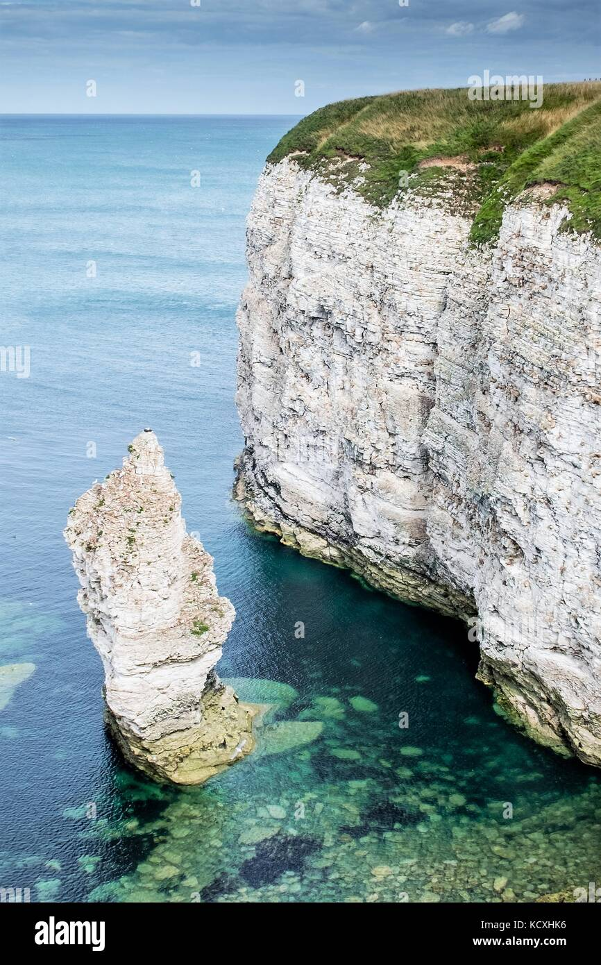 Flamborough Cliffs between Filey and Bridlington North Yorkshire. These chalk stone cliffs look stunning with the - Stock Image