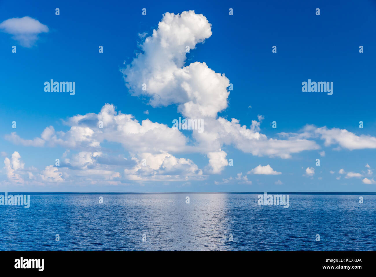 Beautiful clouds over ocean - Stock Image