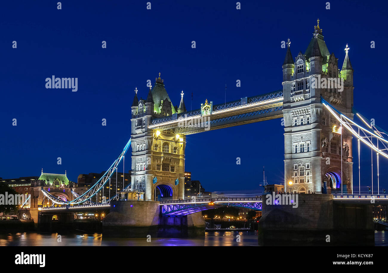 The Tower Bridge in London in the evening, England, United Kingdom. - Stock Image