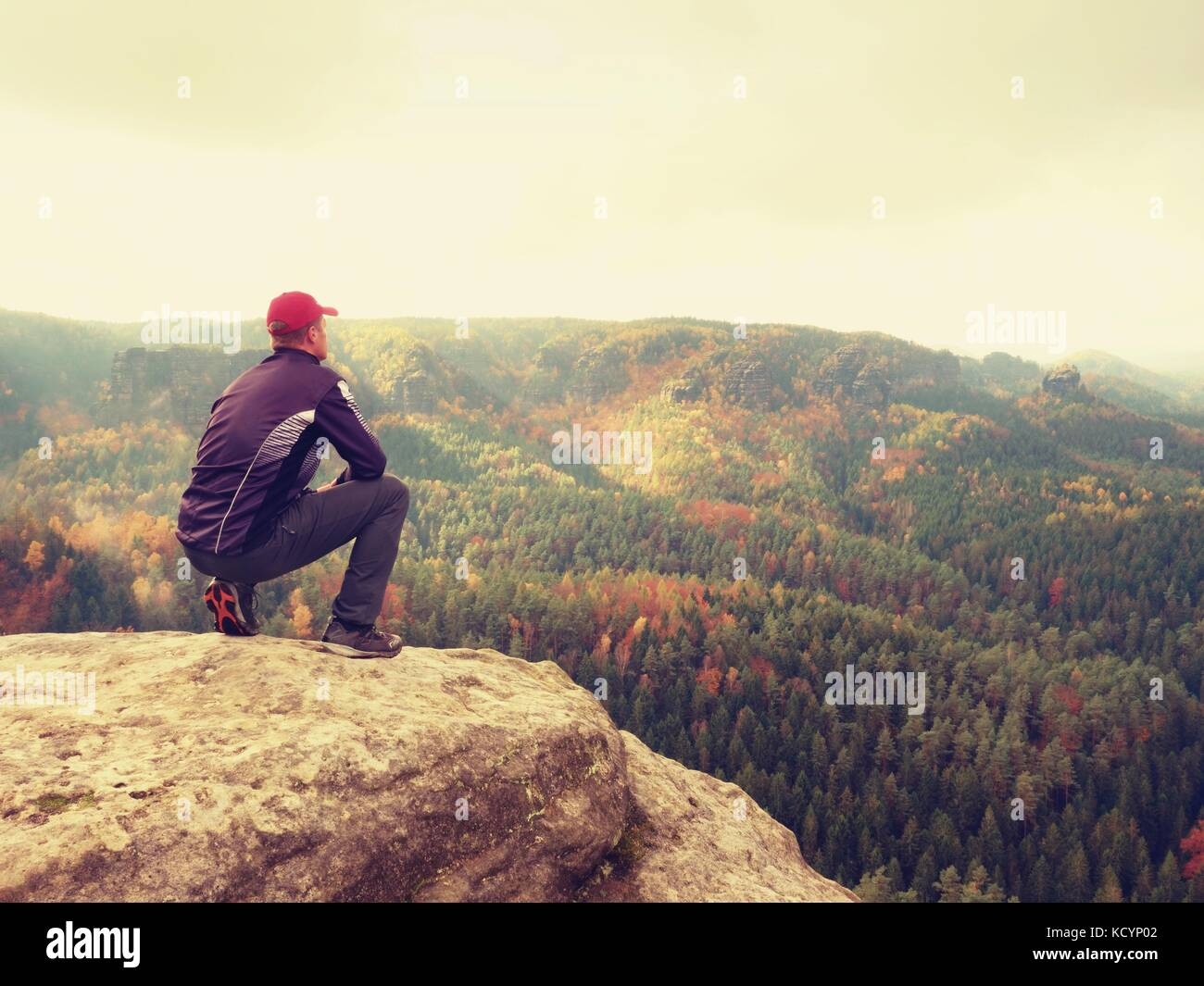 silhouette of tourist guide in black hiker with sportswear stand on rh alamy com rocky mountain national park tourist guide rocky mountain tourism guide