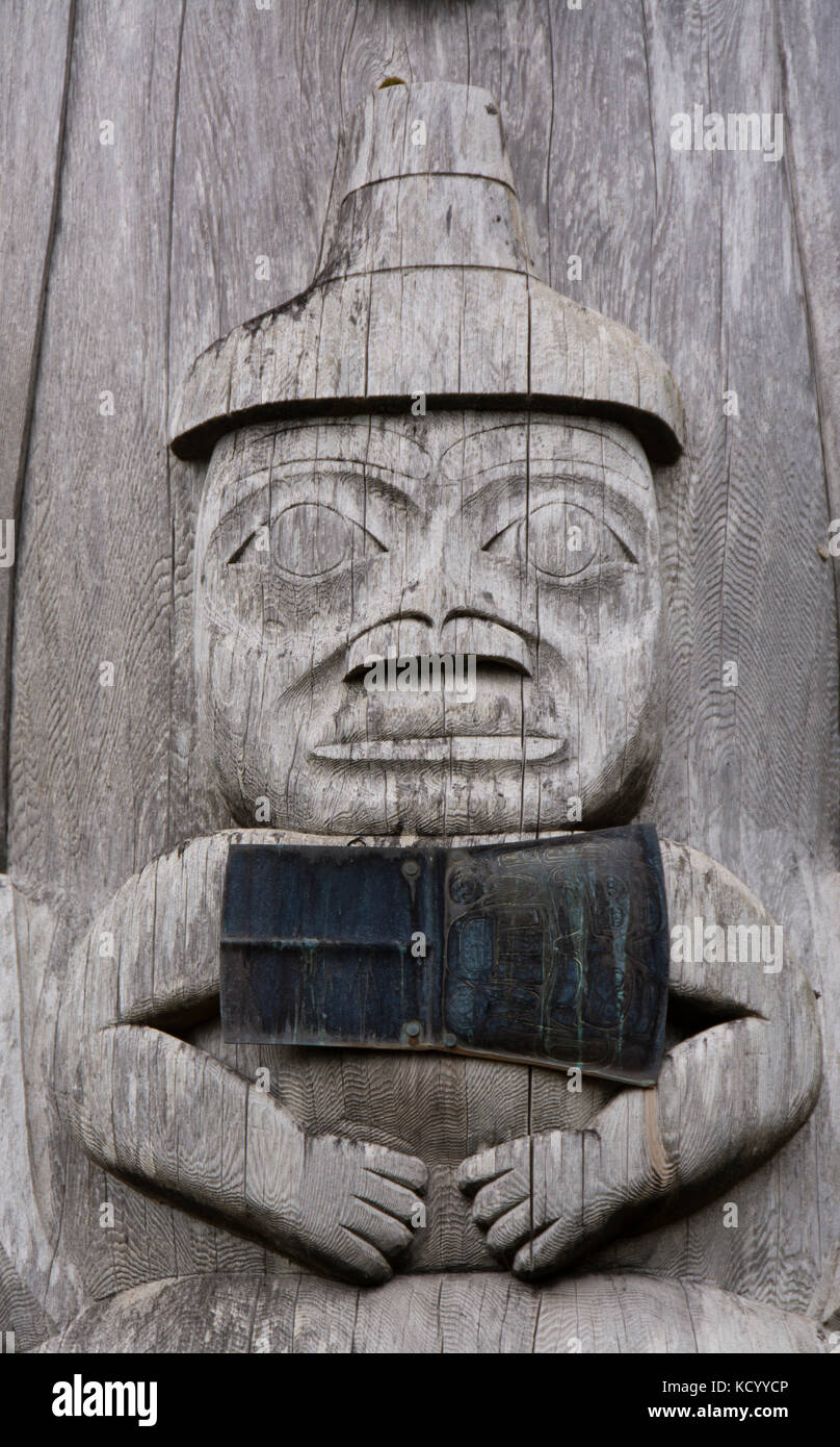 Totem pole detail, Skidegate,  Haida Heritage Centre at Ḵay Llnagaay, Haida Gwaii, formerly known as Queen Charlotte - Stock Image