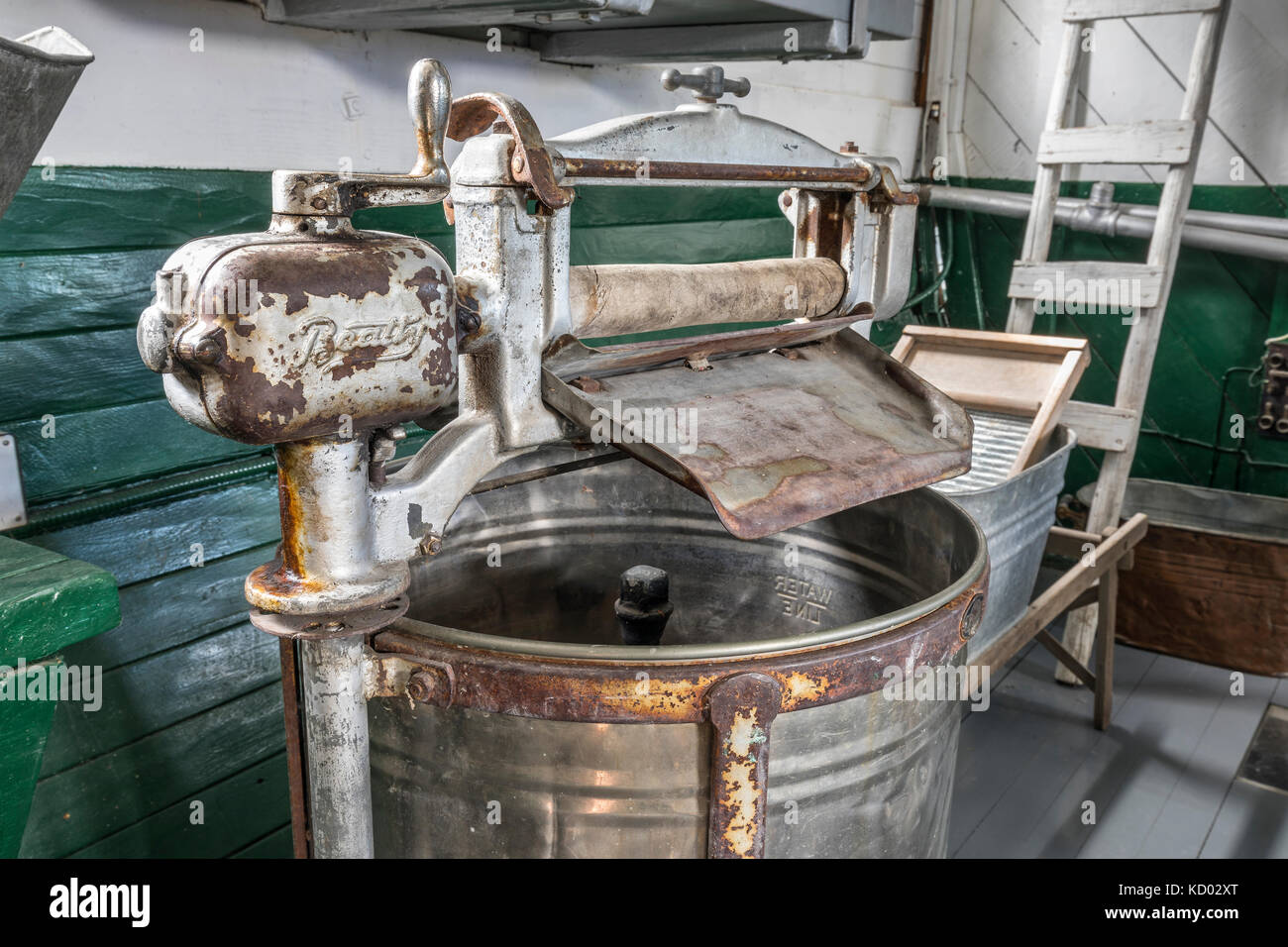Vintage Beatty washing machine, Marine Museum of Manitoba, Selkirk, Manitoba, Canada. - Stock Image