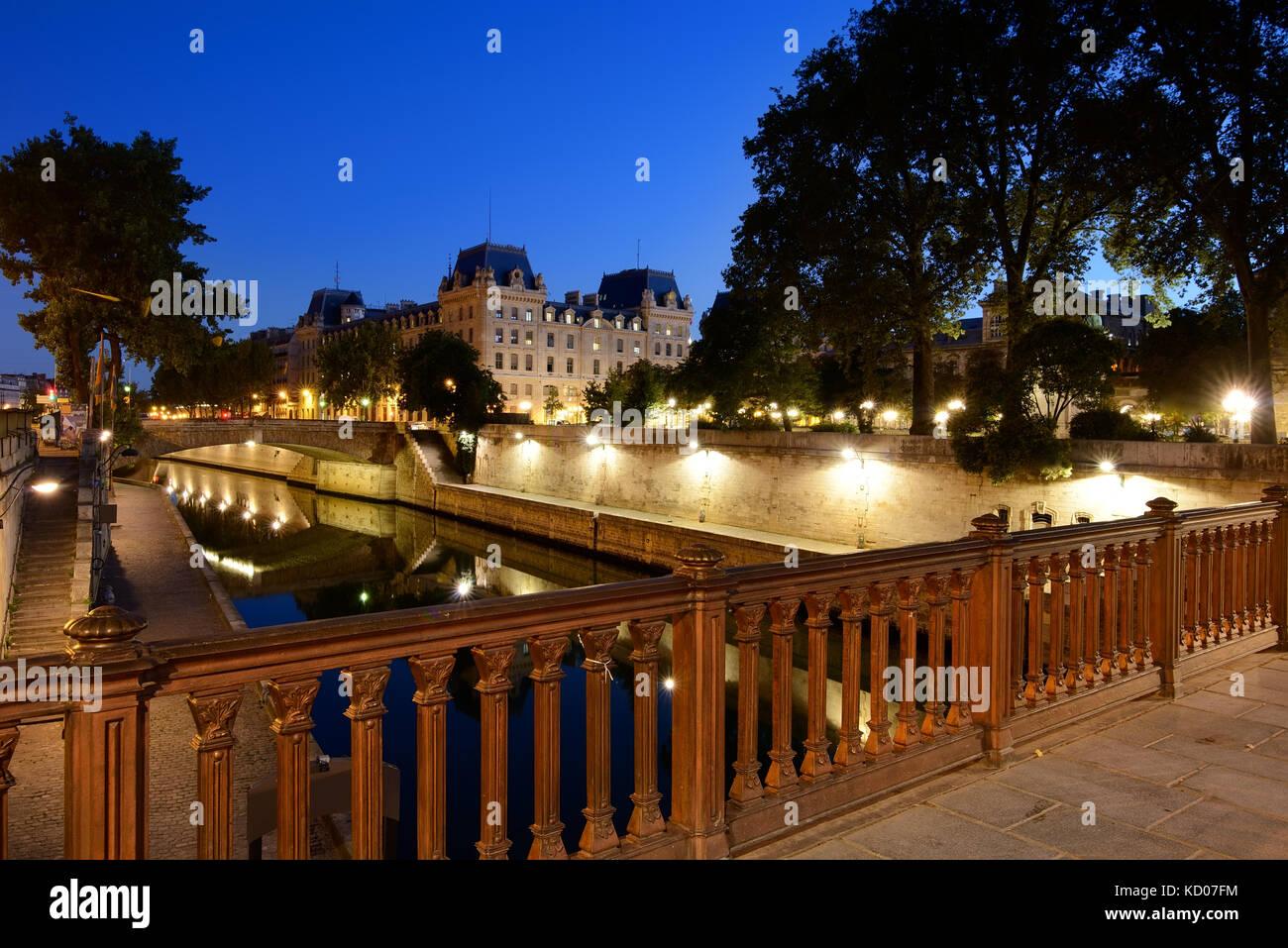 View on Promenade Maurice Careme from Pont au Double near Notre Dame de Paris, France - Stock Image