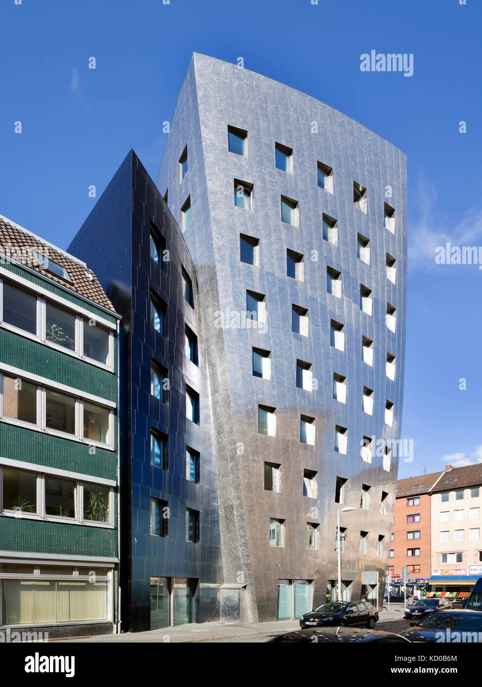 Gehry-Tower Hannover, architect Frank O. Gehry, office and event building, city centre, Hanover, Lower Saxony, Germany - Stock Image