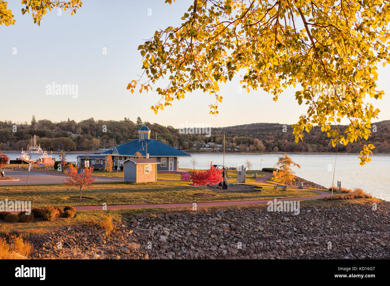 Ferry Terminal and car ferry, Brundage Point River Center, Saint John River,  Grand Bay-Westfield, New Brunswick, - Stock Image