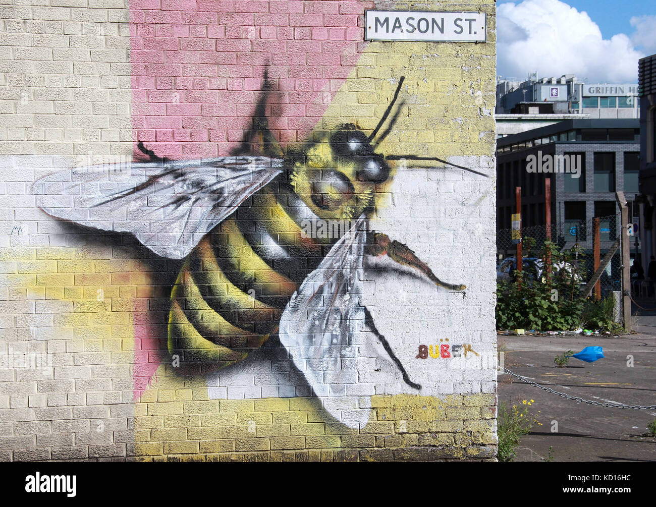 Mason Street with symbolic worker bee street art in the Northern Quarter of Manchester Stock Photo