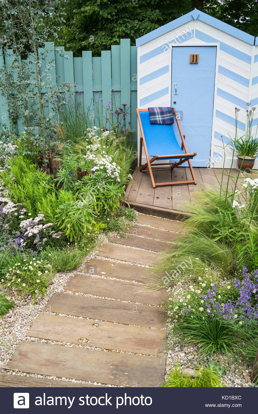 The Southend Council \'By The Sea\' garden. RHS Hampton Court Flower ...