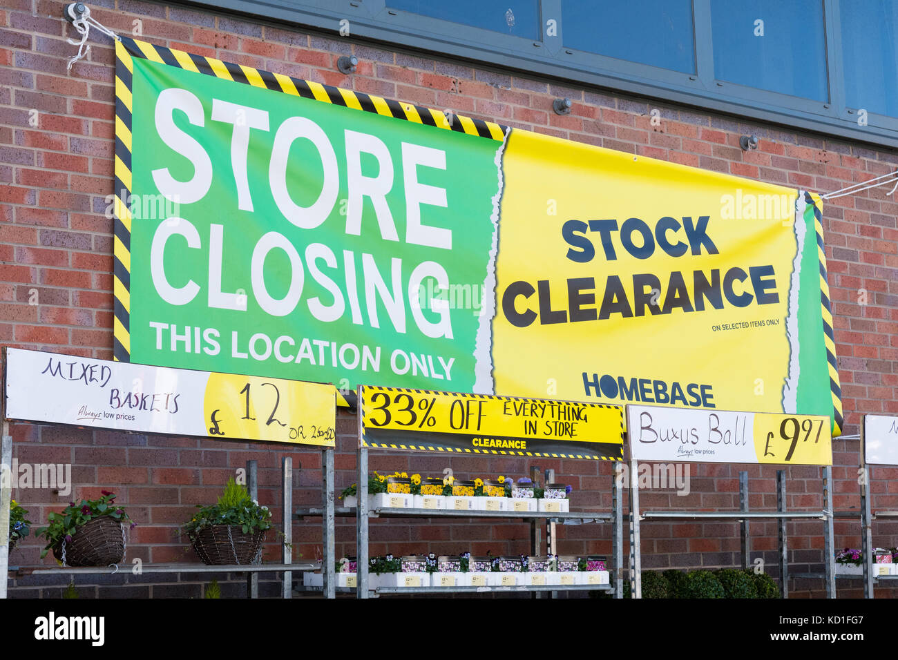 Homebase store closing down sale sign, Milngavie, Scotland, UK - Stock Image