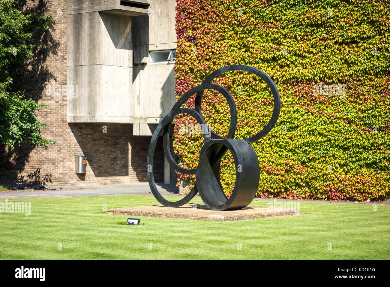 Sculpture by Nigel Hall, Churchill College, University of Cambridge, UK - Stock Image