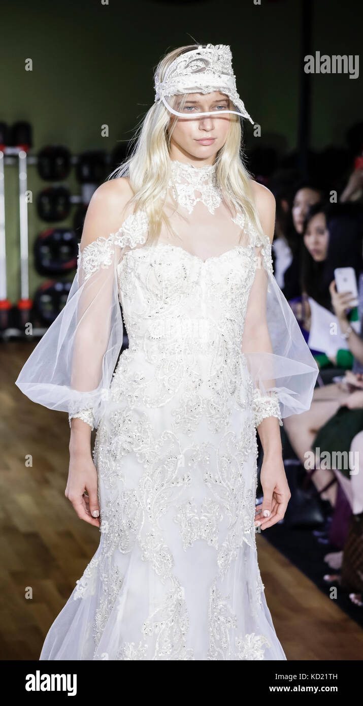 Fashion Model Catwalk Gown Stock Photos & Fashion Model Catwalk Gown ...