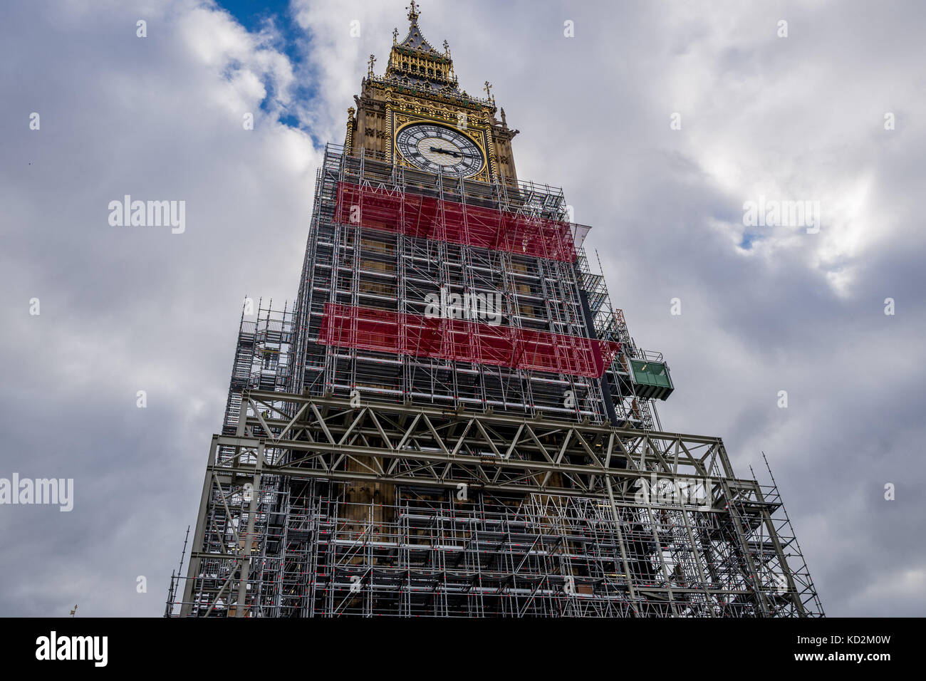 London, UK. 9th Oct, 2017. The cost of renovating the tower that houses Big Ben has more than doubled in 16 months Stock Photo