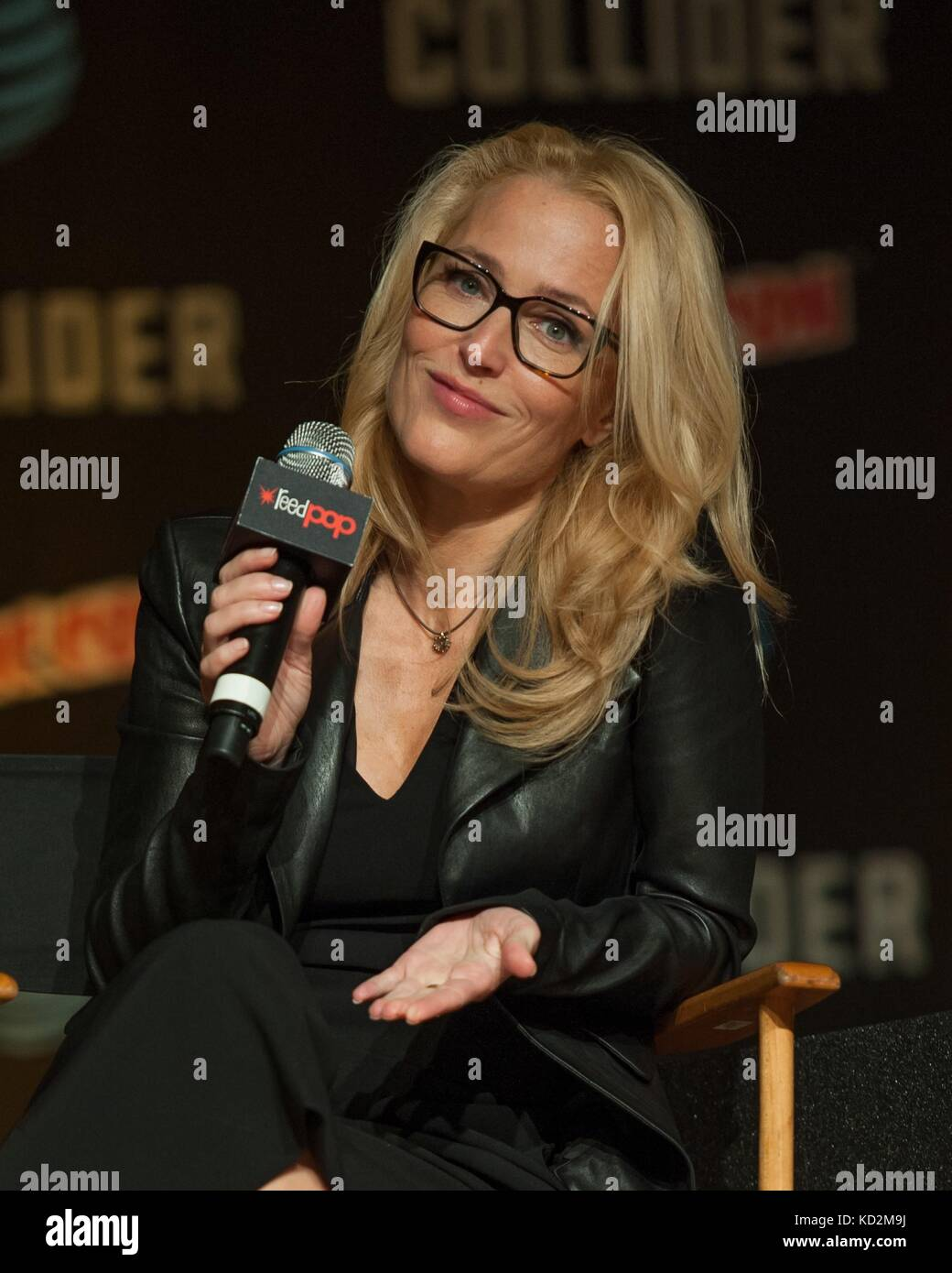 New York, NY, USA. 8th Oct, 2017. Gillian Anderson, attending The X Files event in attendance for New York Comic - Stock Image