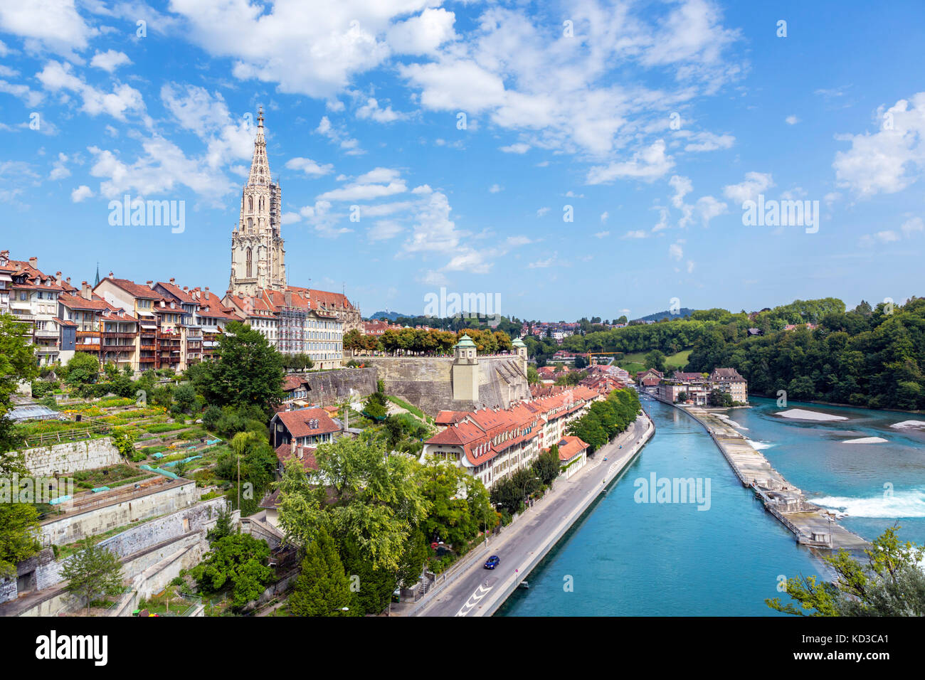 View over the River Aare looking over the city towards the spire of Bern Minster (Berner Münster), Bern (Berne), - Stock Image