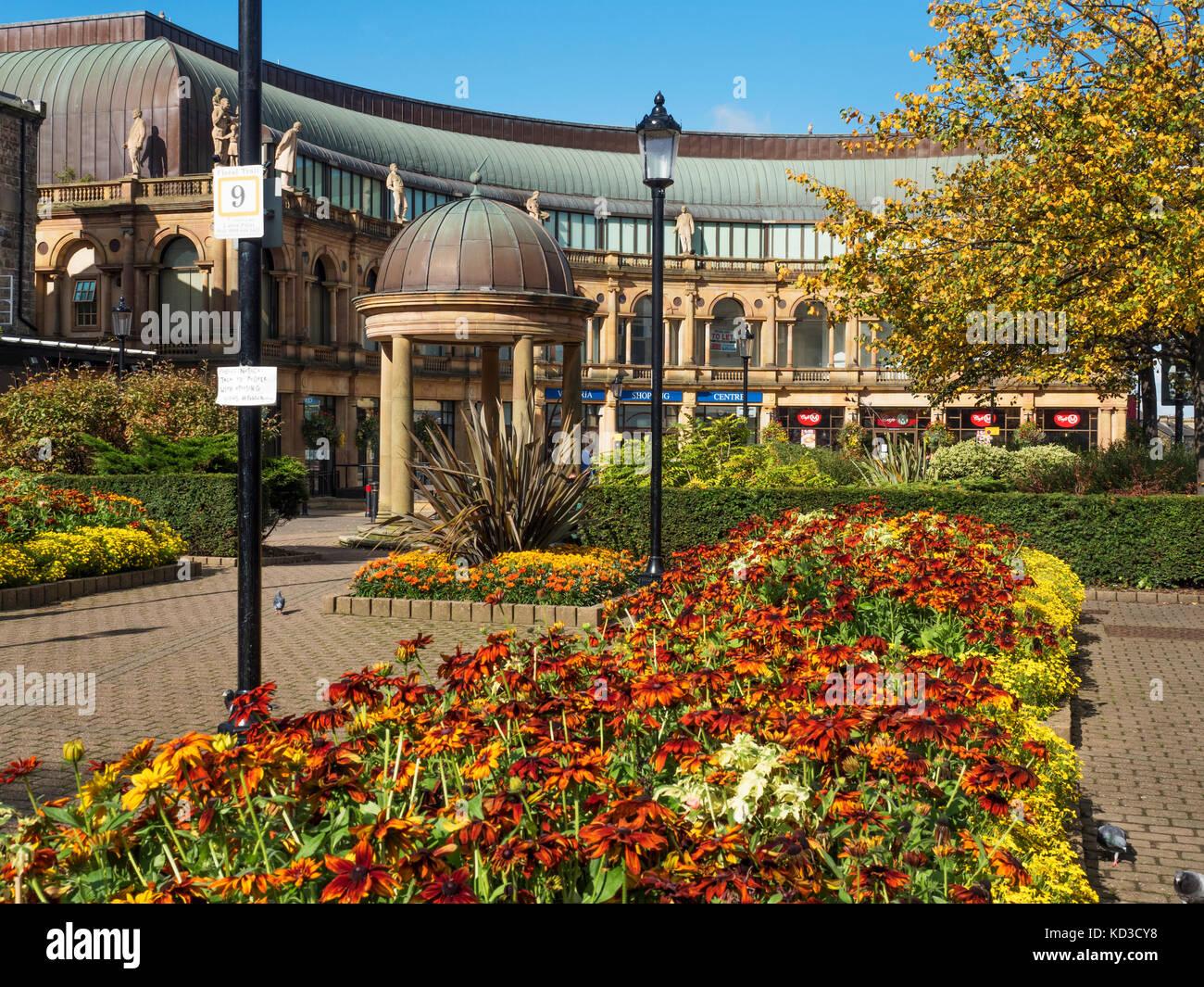 Shops Garden Gardens Garden Stock Photos & Shops Garden Gardens ...