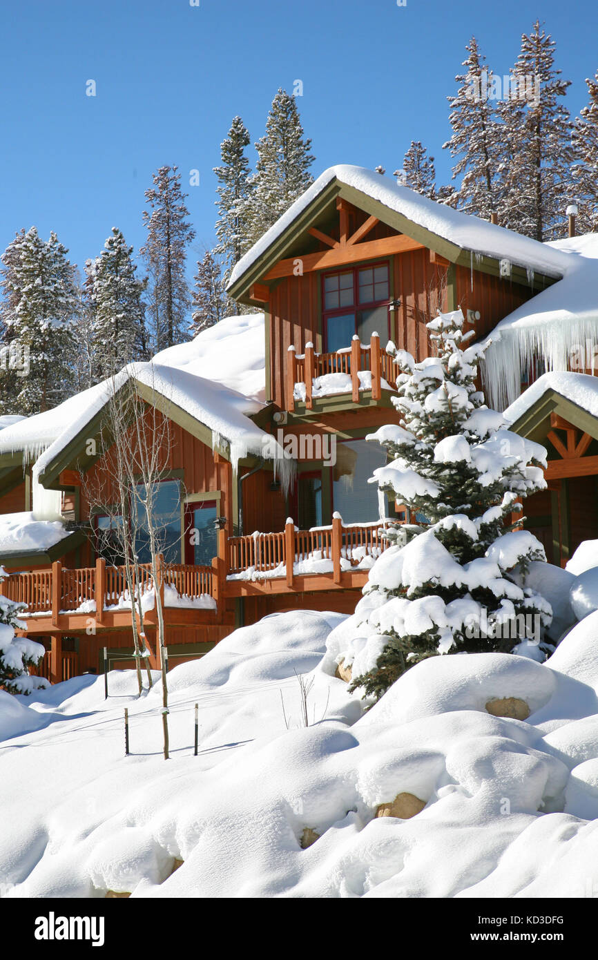 Rental cabin stock photos rental cabin stock images alamy for Winter park colorado vacation cabins