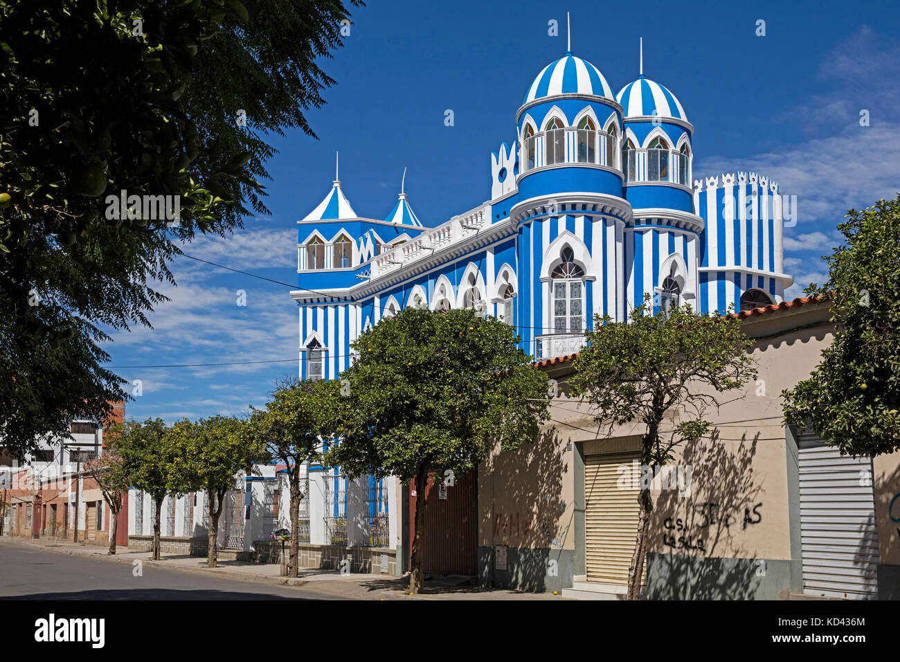 Castillo Azul Moisés Navajas, the old governor's house in the city Tarija, Cercado, southern Bolivia - Stock Image