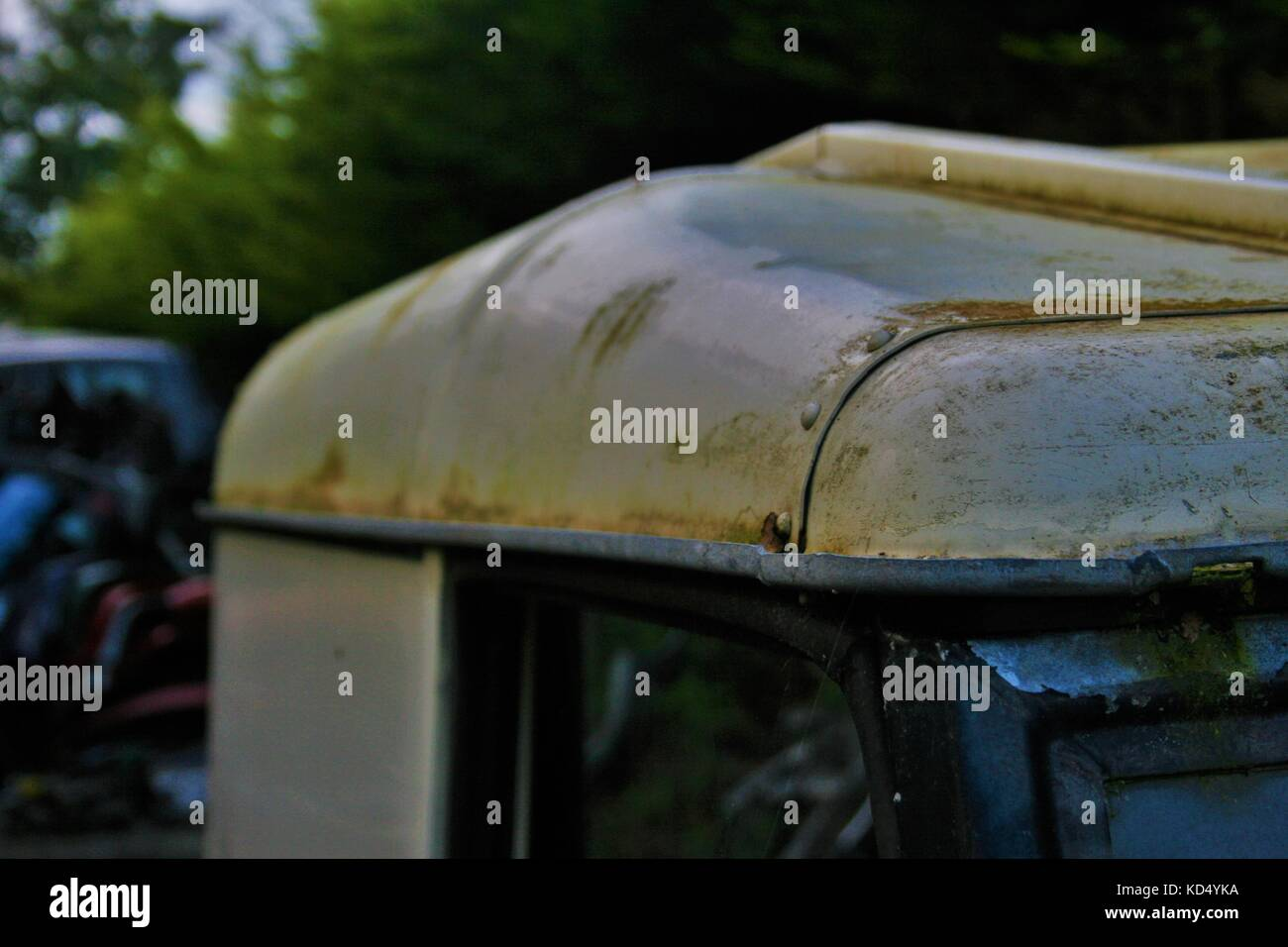 Roof Of An Abandoned Land Rover In A Scrap Yard - Stock Image