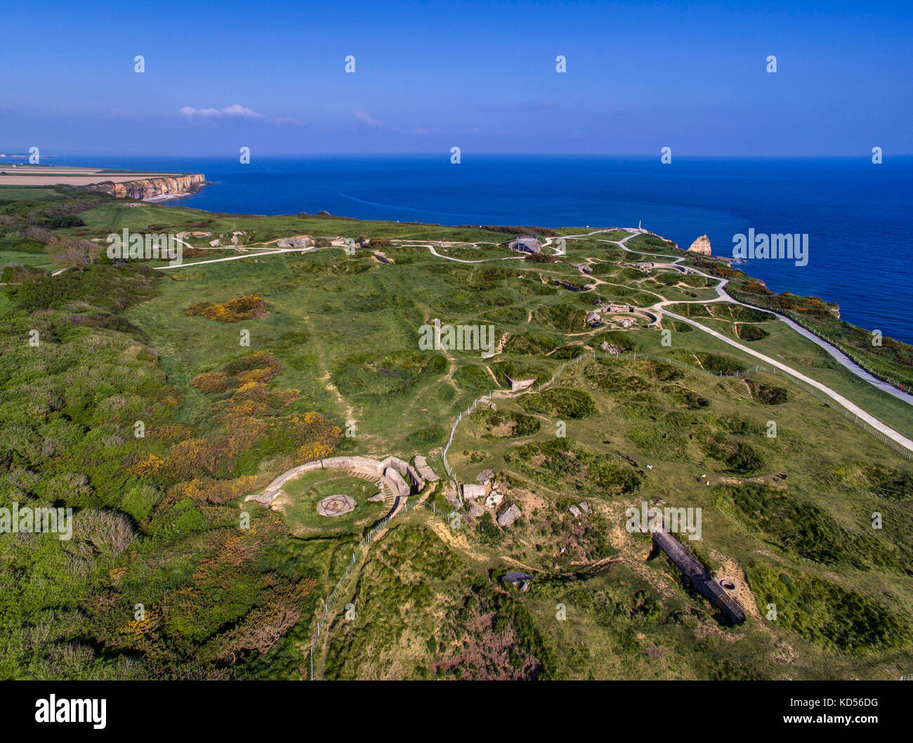 Cricqueville-en-Bessin (Normandy, north-western France): The Pointe du Hoc headland, site of the landing operations - Stock Image