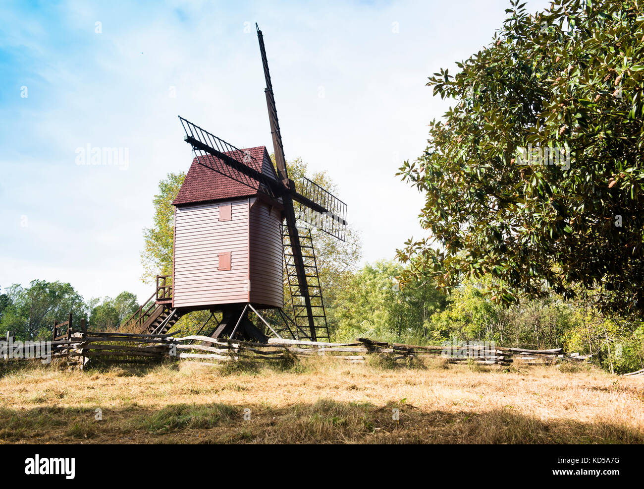 Robertson's Windmill in the Colonial Williamsburg historic area is a Tower Mill whose  structure rotates by - Stock Image
