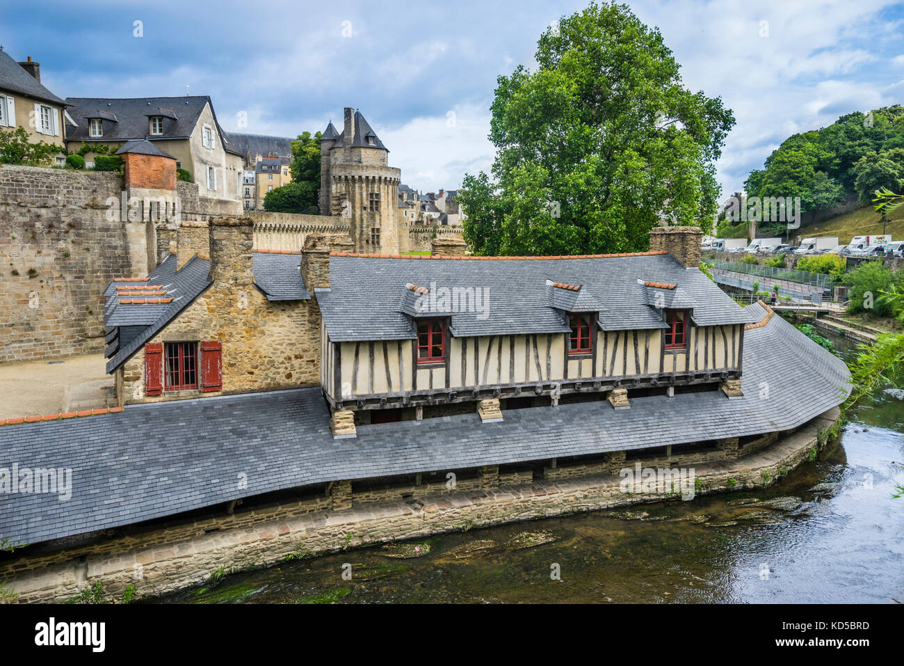 France, Brittany, Morbihan, Vannes, view f the Lavoirs de Vannes, ancient public wash house on the banks of the - Stock Image