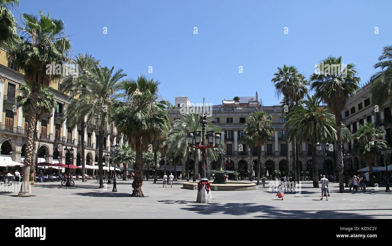 Plaza Reial in the Gothic quarter in Barcelona Catalunya Spain - Stock Image