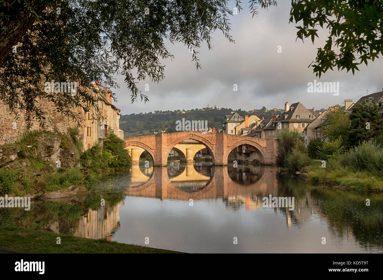 Espallion, Lot Valley, France.  Twin bridges over the River Lot. Stock Photo
