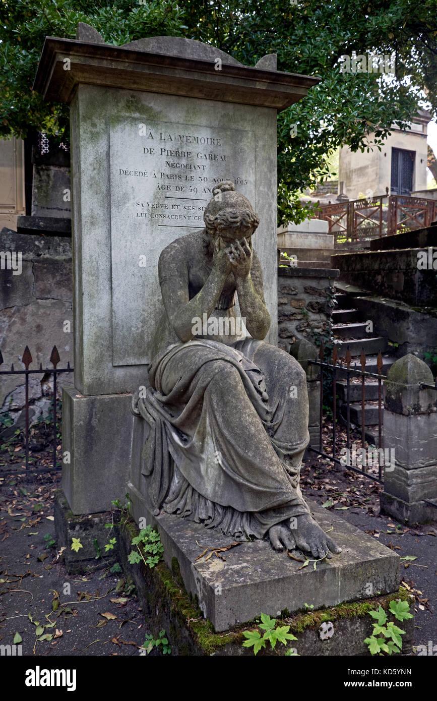 Grave of Pierre Gareau (1766–1815)  in Pere Lachaise cemetery, Paris, France. Sculpture by François-Dominique - Stock Image