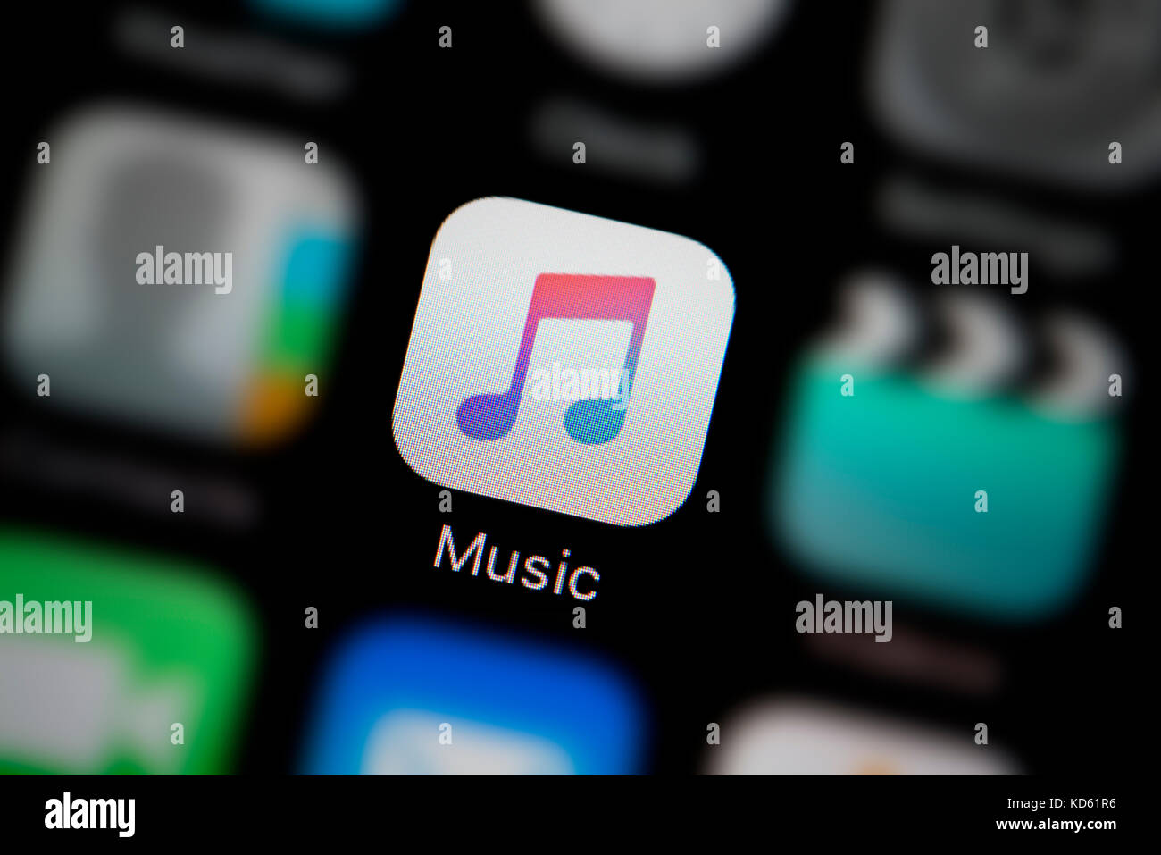 how to close music app on iphone