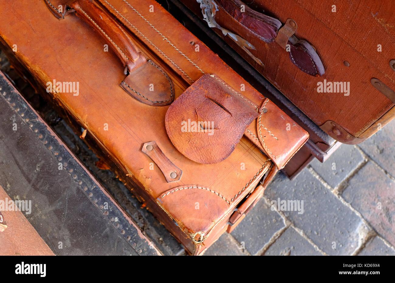 vintage retro style leather luggage - Stock Image