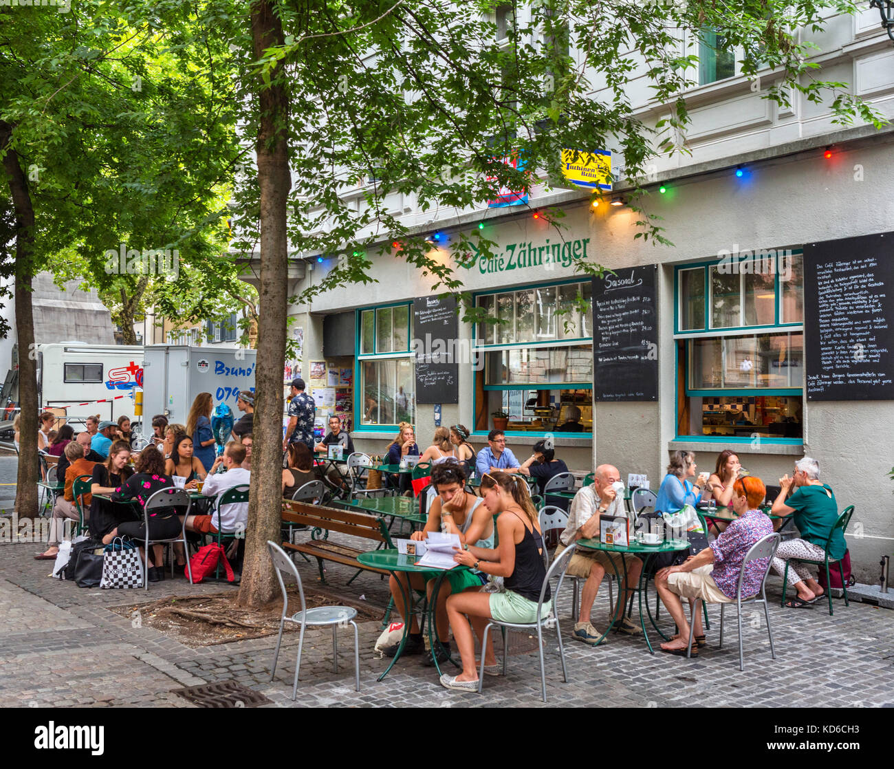 Cafe Zahringer on Spitalgasse in the historic Niederdorf district, Zürich, Switzerland - Stock Image
