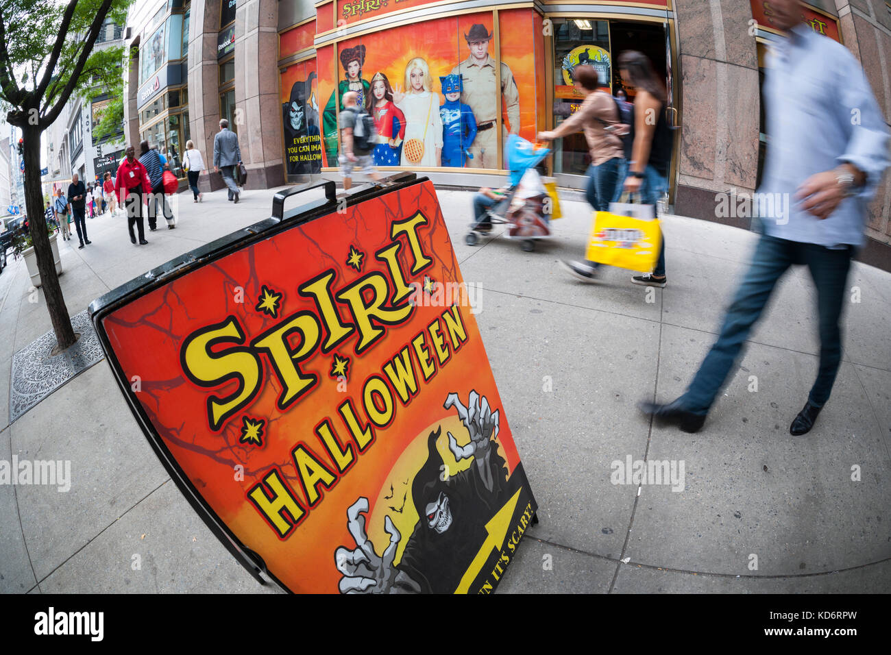 A Spirit Halloween pop-up store in New York on Thursday, October 5, 2017. Spirit will have 1300 pop-up locations - Stock Image