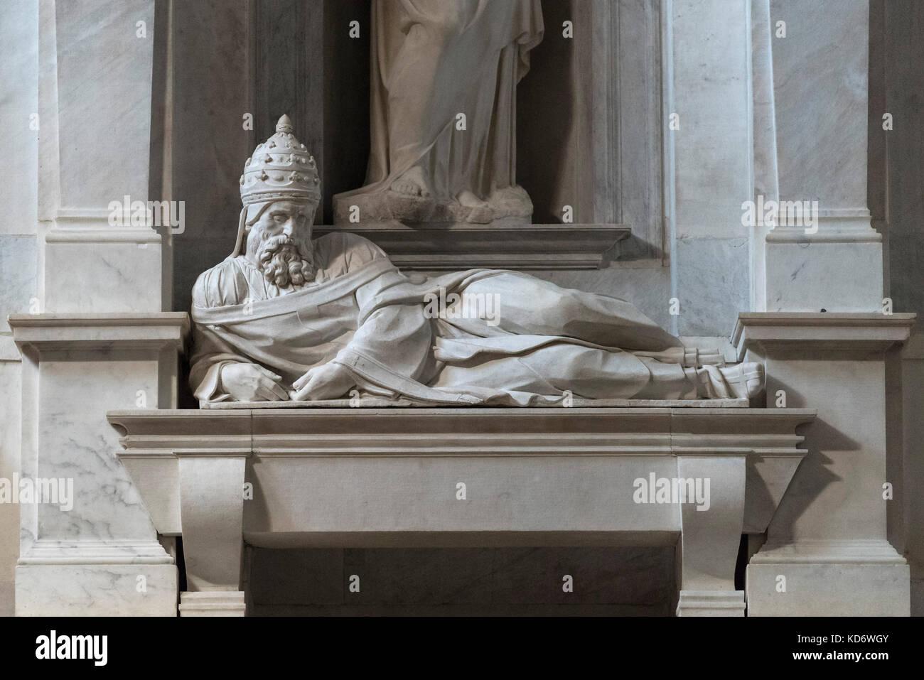 Rome. Italy. Tomb of Pope Julius II, by Michelangelo Buonarroti (1475-1564), Basilica di San Pietro in Vincoli. - Stock Image