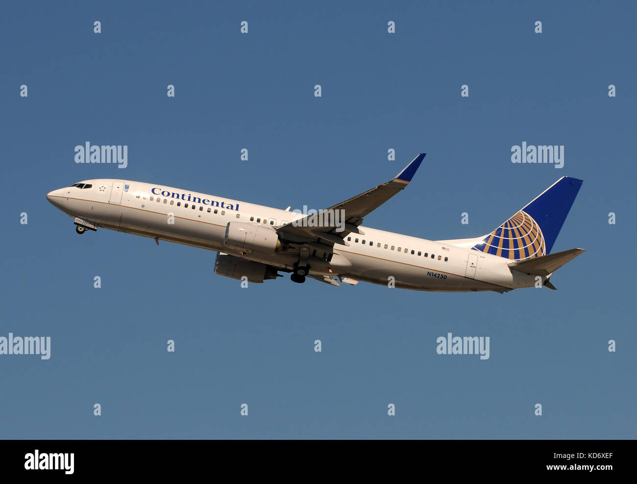 Fort Lauderdale, Florida - January 29, 2011: Continental Airlines Boeing 737-800 jet taking off. Continental is - Stock Image