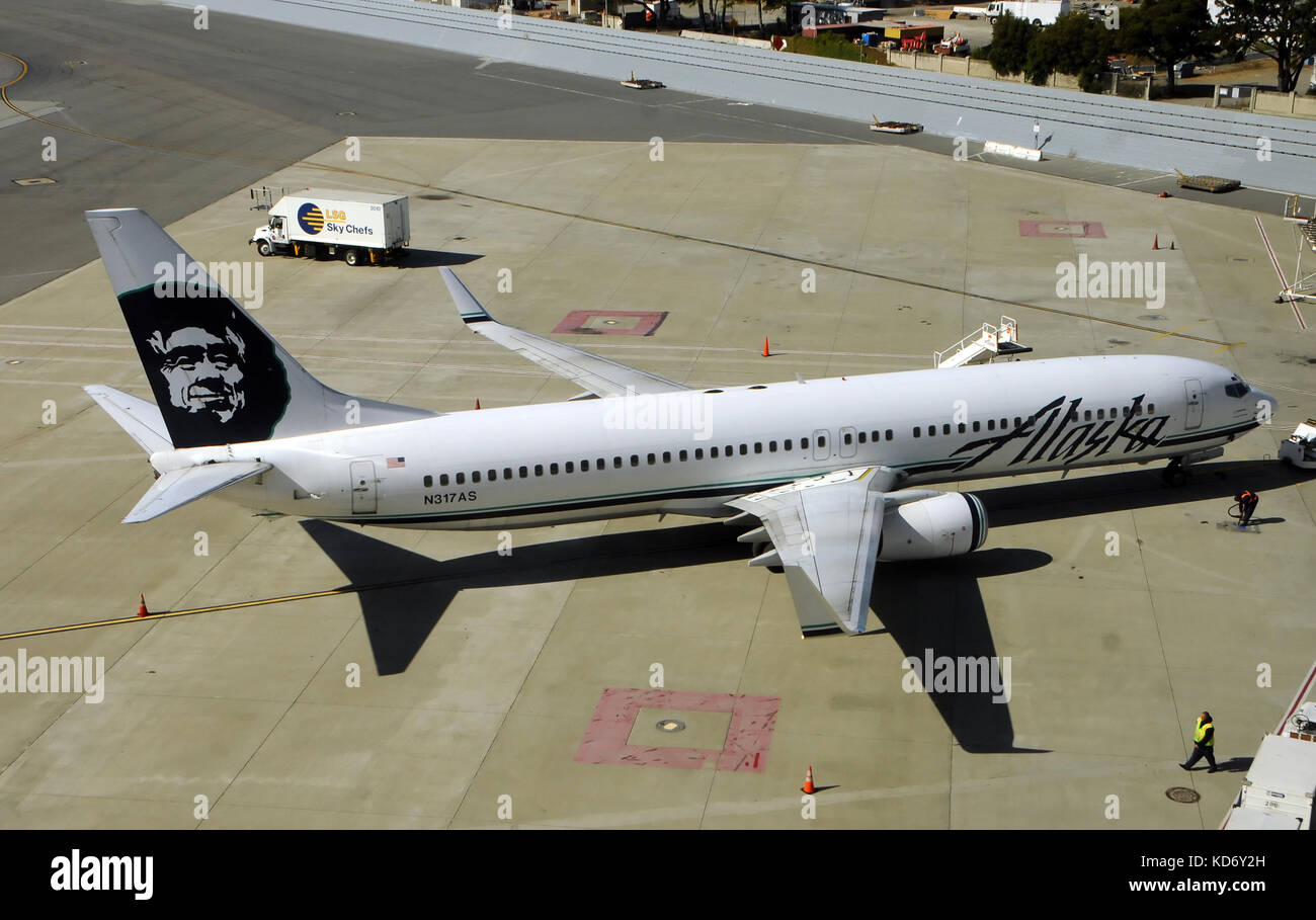 Alaska airlines stock photos alaska airlines stock images alamy san francisoc usa july 1 2010 alaska airlines passenger jet preparing for buycottarizona Choice Image