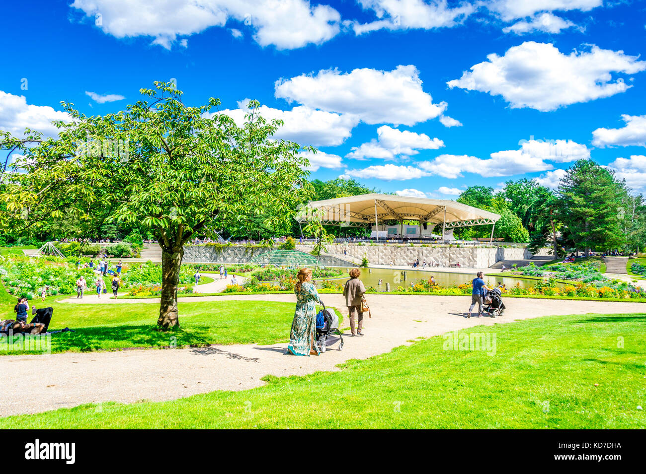 Parc floral de Paris is a public park and botanical garden located within the Bois de Vincennes in the 12th arrondissement Stock Photo