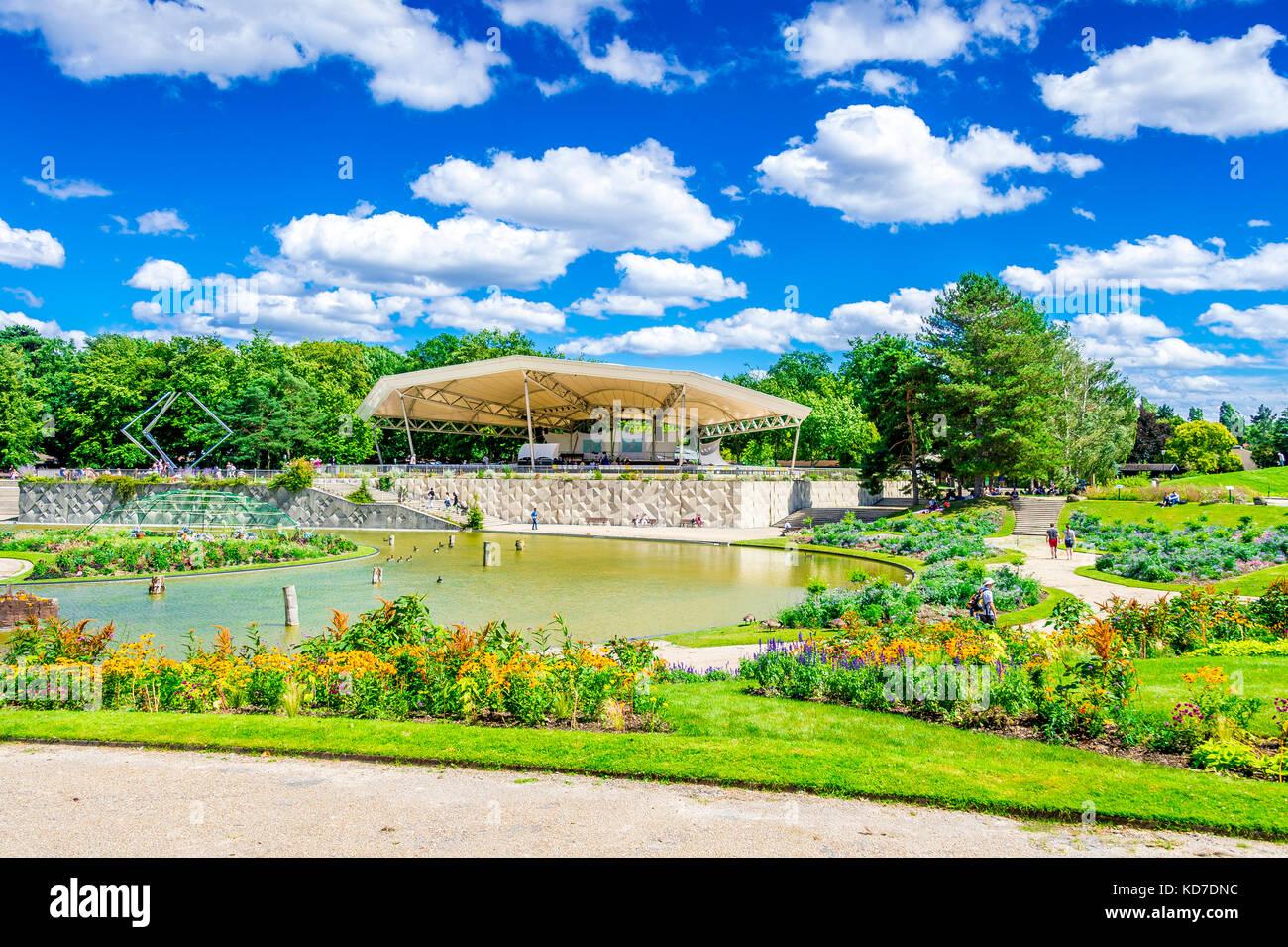 Parc floral de Paris is a public park and botanical garden located within the Bois de Vincennes in the 12th arrondissement Stock Photo