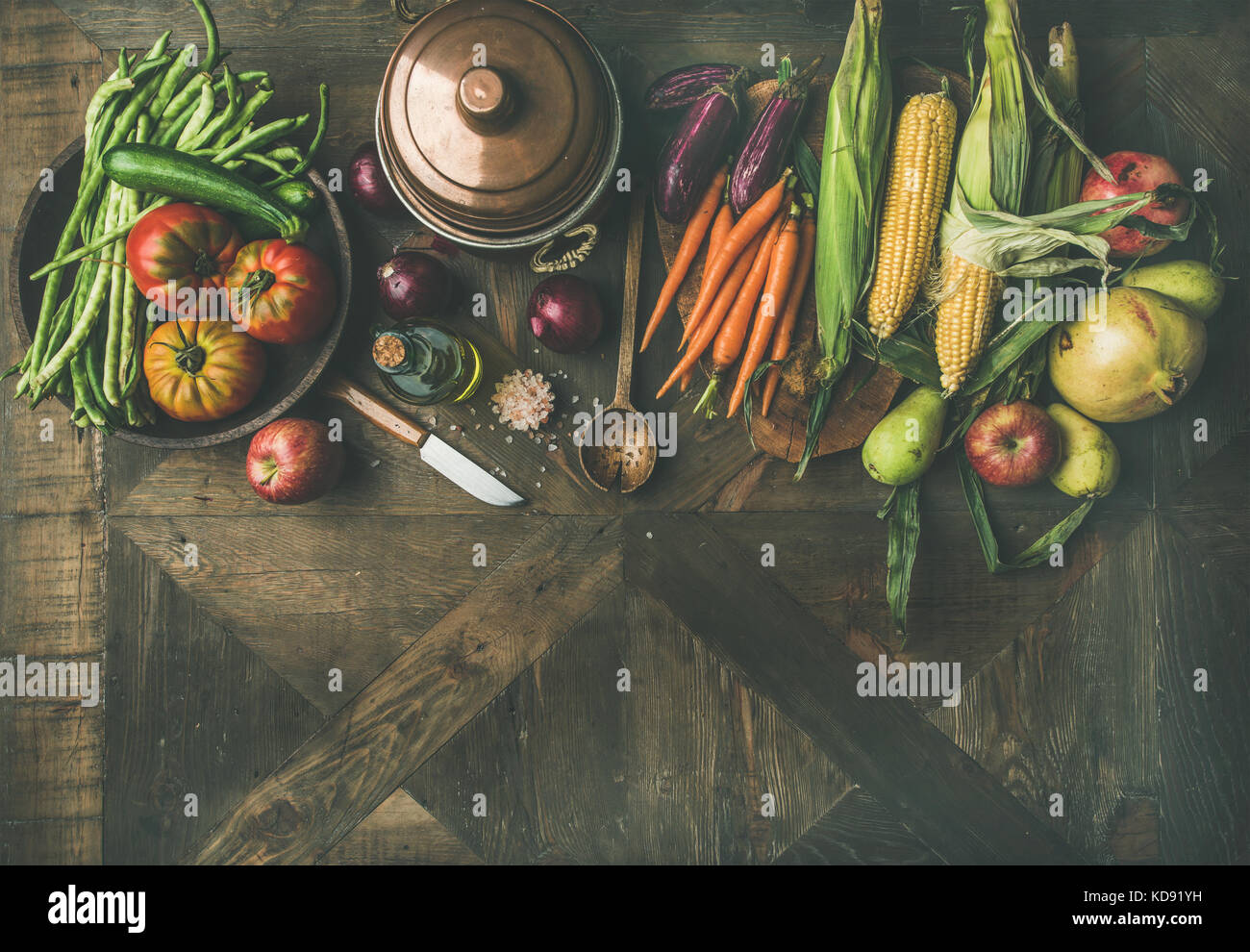 Autumn ingredients for Thanksgiving day dinner preparation, copy space - Stock Image