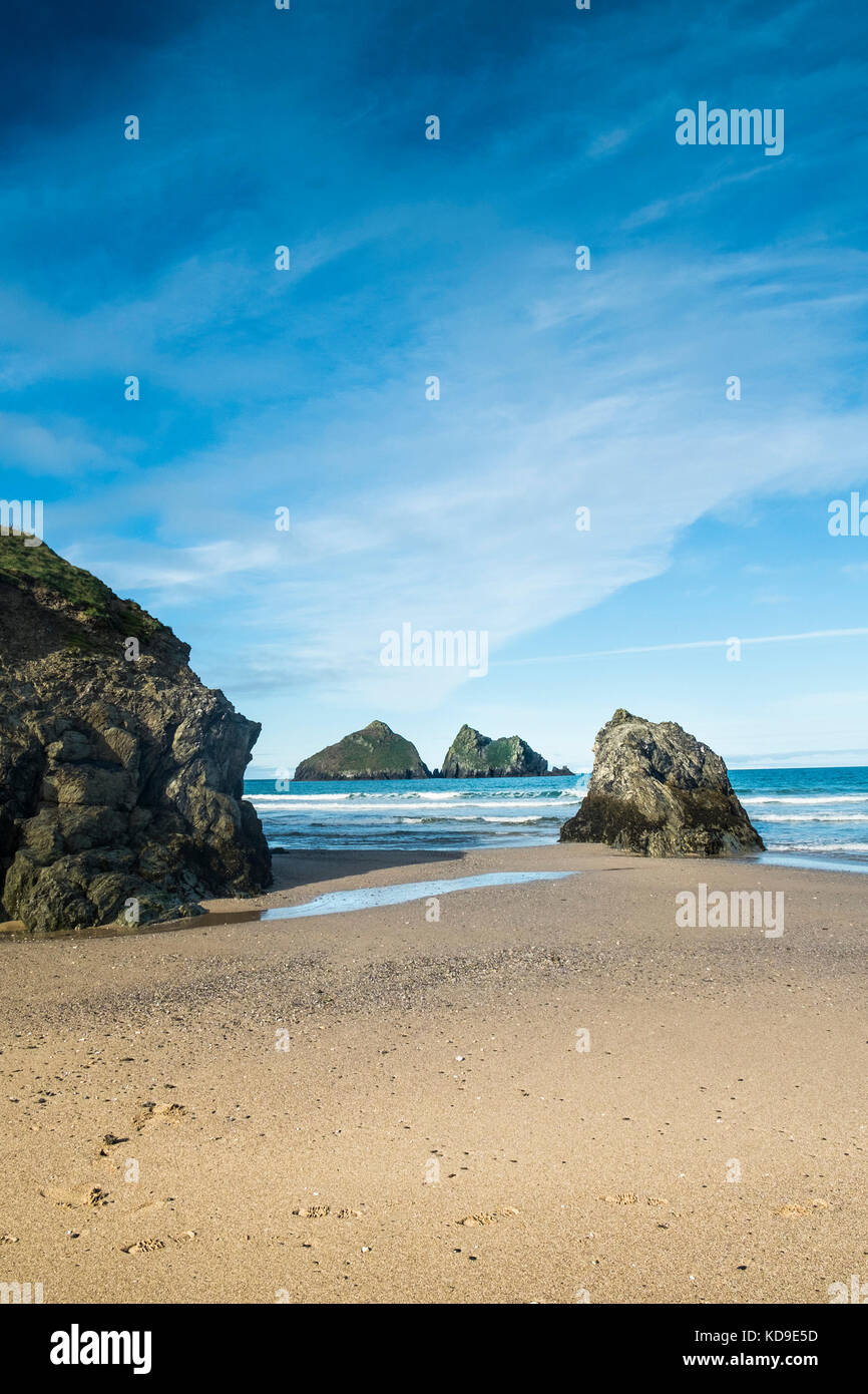 The iconic Gull Rocks at Holywell Bay one of the Poldark film locations in Cornwall. - Stock Image