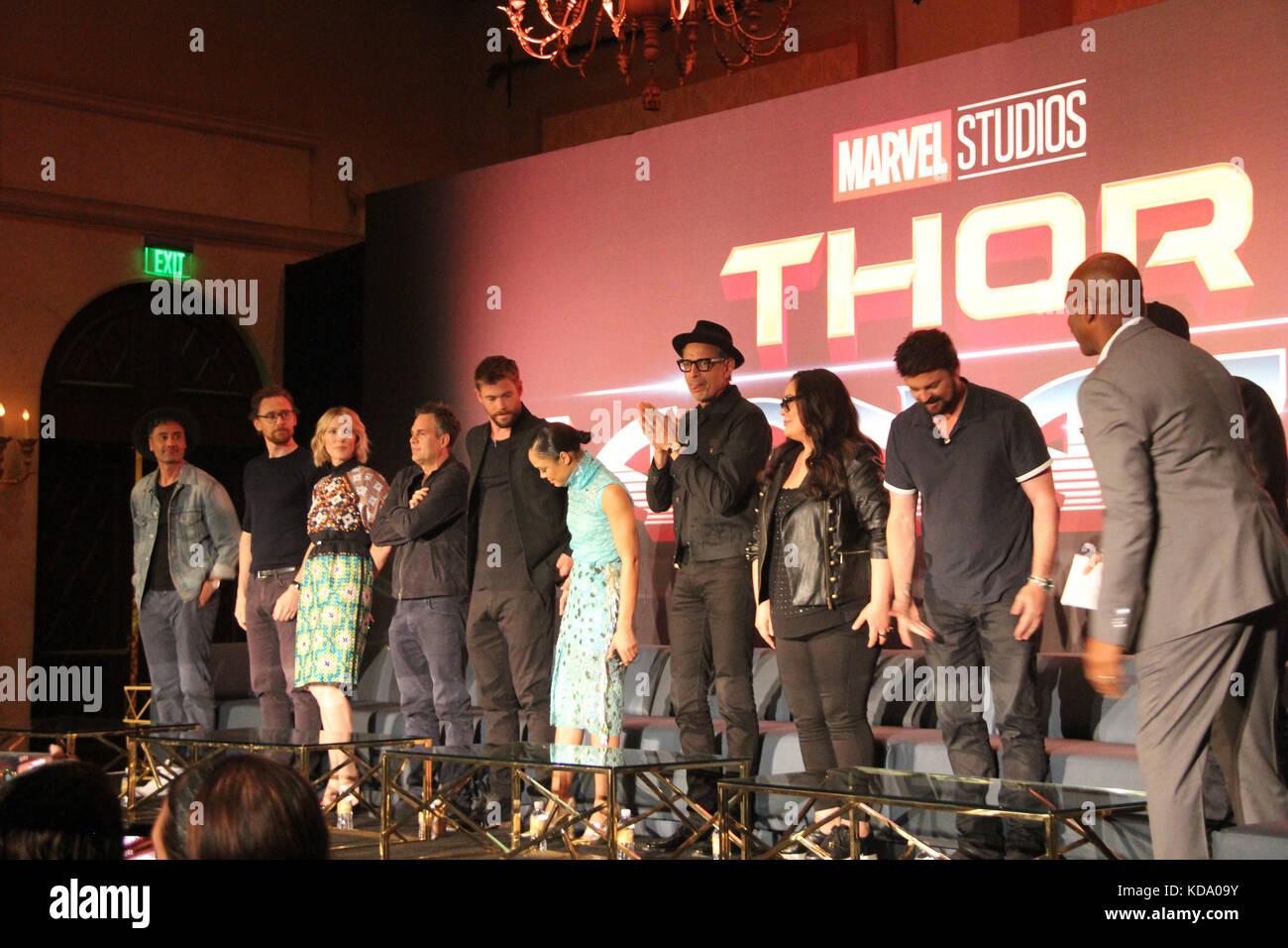 Los Angeles, USA. 11th Oct, 2017. Taika Waititi, Tom Hiddleston, Cate Blanchett, Mark Ruffalo, Chris Hemsworth, - Stock Image