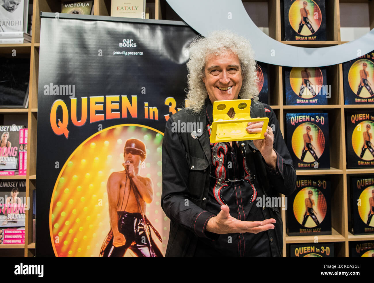 Frankfurt am Main, Germany. 12th Oct, 2017. Guitarrist Brian May of Queen presenting his new book 'Queen in - Stock Image