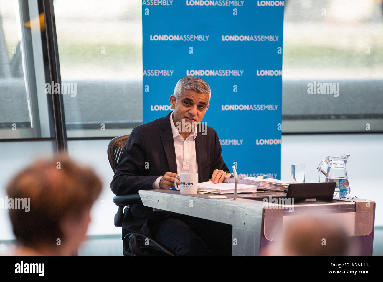 London, UK. 12th Oct, 2017. Mayor of London Sadiq Khan answers a question from Dr Onkar Sahota during Mayor's - Stock Image