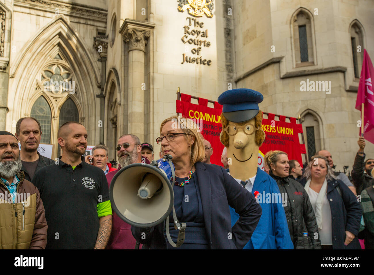 London, UK. 12 October 2017. Gill Furniss, Labour MP, addresses members of the Communications Workers Union protesting - Stock Image