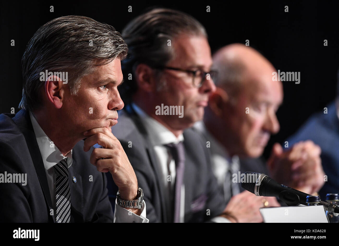 Karlsruhe Nereut, Deutschland. 12th Oct, 2017. left to right KSC-Praesident Ingo Wellenreuther, Holger Siegmund - Stock Image