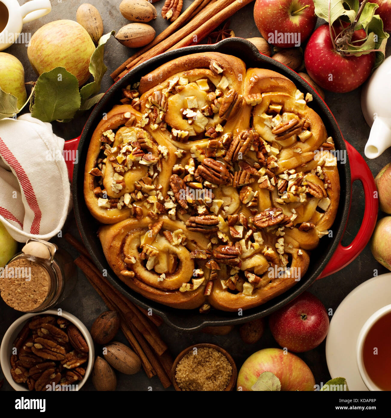 Cinnamon rolls with apples, caramel and pecan - Stock Image